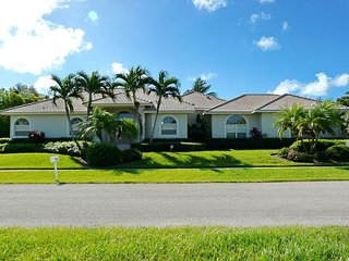 Relaxing, waterfront home w/ heated pool, hot tub & private dock