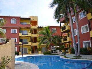 Beautiful Santa Cruz Condo near beach, Huatulco