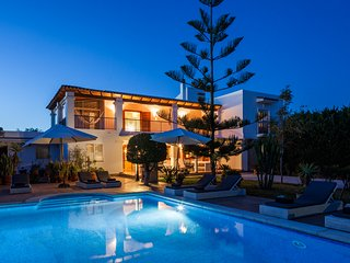 Villa Amador - A beautiful home complete with private pool, WiFi, AC & sea views, Ibiza Town