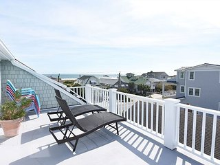 Beautiful 5 bedroom house with great decks and ocean views., Wrightsville Beach