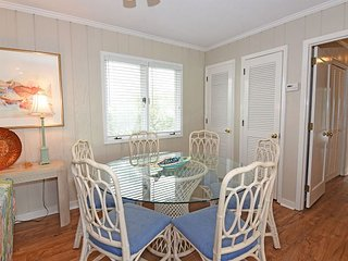 Shore Fun -  Comfortable and cozy ocean view cottage with easy beach access, Wrightsville Beach
