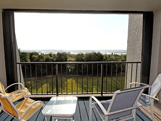 Station One - 1B Lee -  Oceanfront condo with community pool, tennis, beach, Wrightsville Beach