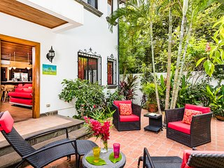 Tamarindo Luxury Villa Steps from the Beach