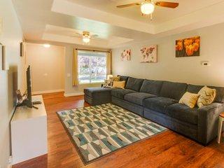 Charming house & cottage w/ entertainment & very convenient location, Boise
