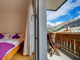 Schlafzimmer 1 mit Balkon