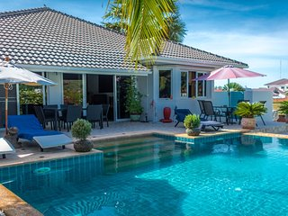 Villas for rent in Hua Hin: V6275