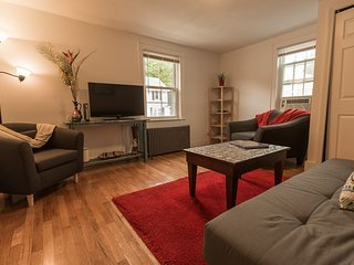 Tufts-Area Large 2BD Apartment