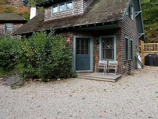2BR, 1.5BA Bungalow in Provincetown - Stroll to the Bay, Dining & Town Center