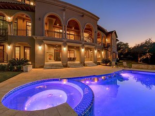Executive Austin Luxury Villa W/ Pool + Hot Tub, 180-Degree Views