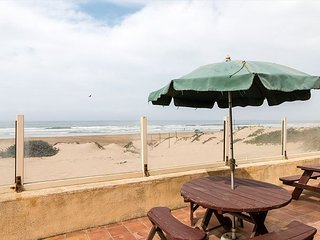 3BD, 2BA Oceanfront Home w/ Direct Beach Access, Fire Pit & BBQ, Oceano