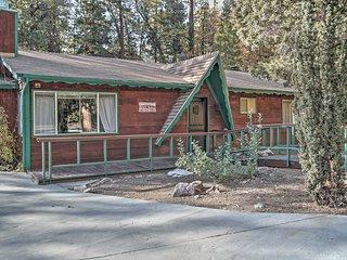 Charming 3BR Big Bear Cabin w/Private Hot Tub!
