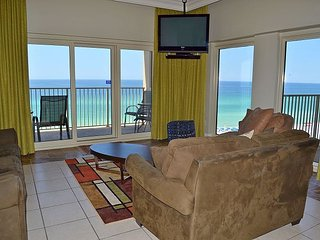 Hard-to-find Gulf & beach front 3 BR w/2 pools, sauna, direct beach access