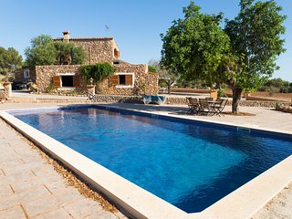 COUNTRY HOUSE WITH SWIMMING POOL, Llucmajor