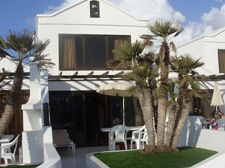 2 Bed Villa on 4* Beach Front Resort, Costa Teguise