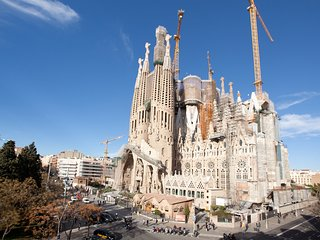 whatching Sagrada Familia, Barcellona