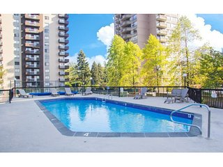 Beautiful 1 Bedroom - Heart of Burnaby