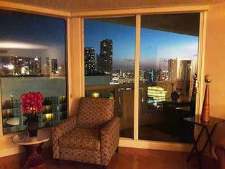 By Gvaldi - The Grand DoubleTree Miami 3 bed - 2 b