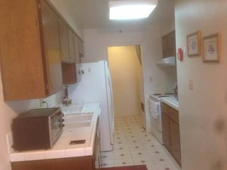 SPACIOUS AND BEAUTIFULLY FURNISHED 2 BEDROOM, 1 BATHROOM UNIT IN SOUTH SAN FRANCISCO, Daly City
