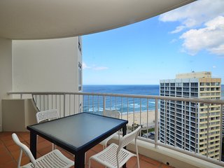 GREAT FOR A LARGE FAMILY OCEAN VIEWS 3 BED a287, Surfers Paradise