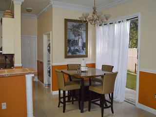 litlle castle 2 bedrooms 2 baths & heated pool, Miramar