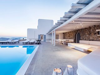 Blue Villas | Carmina Villa | Secluded