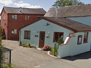 The Granary 1 Bed self contained cottage, Llanymynech
