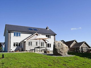 Modern, luxurious and spacious holiday cottage in Mid-Wales, Llanyre
