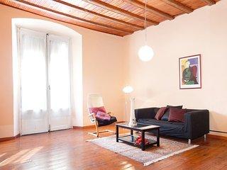 Apartment Barcelona Ramblas Gaudi 6