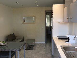 Remplacer l'hotel par un appartement tout équipé, Saint-Rambert-d'Albon