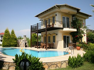 Luxury Villa, large private pool,jacuzzi whirlpool, Dalyan