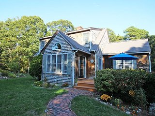 Vineyard Haven Three Bedroom Contemporary