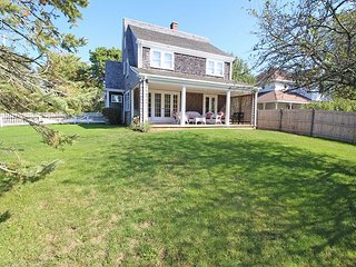 IN-TOWN EDGARTOWN HOME WITHIN WALKING DISTANCE TO TOWN