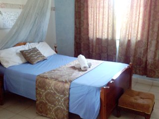 4 Bedroom Beach Villa-Furnished selfcatering villa, Mombasa