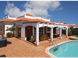 4 bed luxury Villa, Calete De Fuste, Pools and Spa, Caleta de Fuste