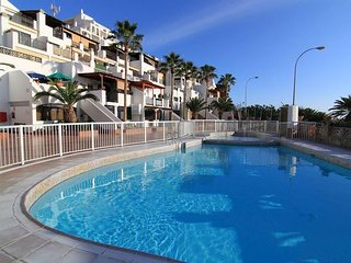 Beachfront adjoining apartments in Playa del Cura, Playa de Cura