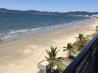Apartamento Frente Mar - Meia praia - Itapema/SC