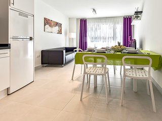 Hortensia №1 3 bedrooms, 100m to the beach, WiFi