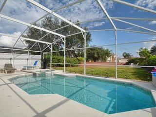 Location Location 2 Miles to Disney Luxury Villa with Pool/spa  Ref 2809
