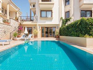 Manzara Villas - Poolside