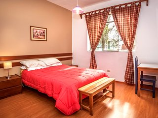 DOWNTOWN SPACIOUS APARTMENT - SAFE, Cusco