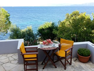 Paxos Sunrise Villas studio next to the sea, Gáïos