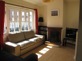 Super central 3 bedroom peaceful & private house in city centre