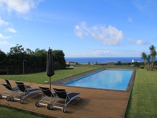 Detached Villa with Pool, Lagoa