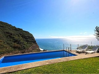 Ocean Palms Villa, Calheta