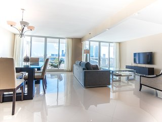 The Grand 2054 | 2bed/2bath | Free Valet Parking, Miami