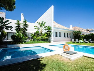 Spacious villa next to Puerto Banus Villa 2