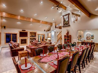 Stunning Mountain Home - Exclusive, Private on 18 Acres