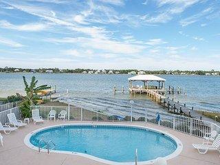 Gulf Shores Lagoon Front Duplex On Golden Pond 8B
