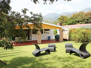 La Floresta house in private area