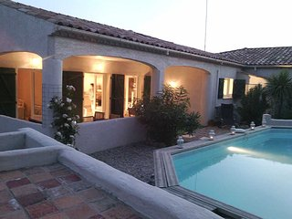Aumes villas to rent in France with pool sleeps 6, Pezenas